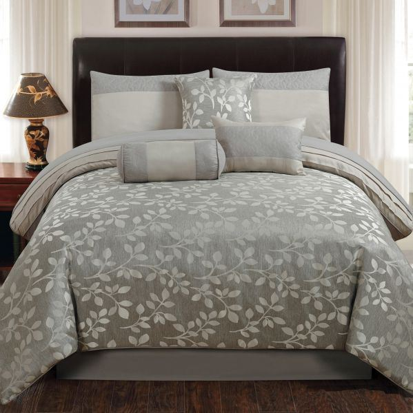 Picture of Platinum Leaves Comforter Set