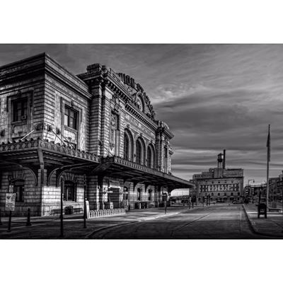 Union Station BW 36x24-In Store