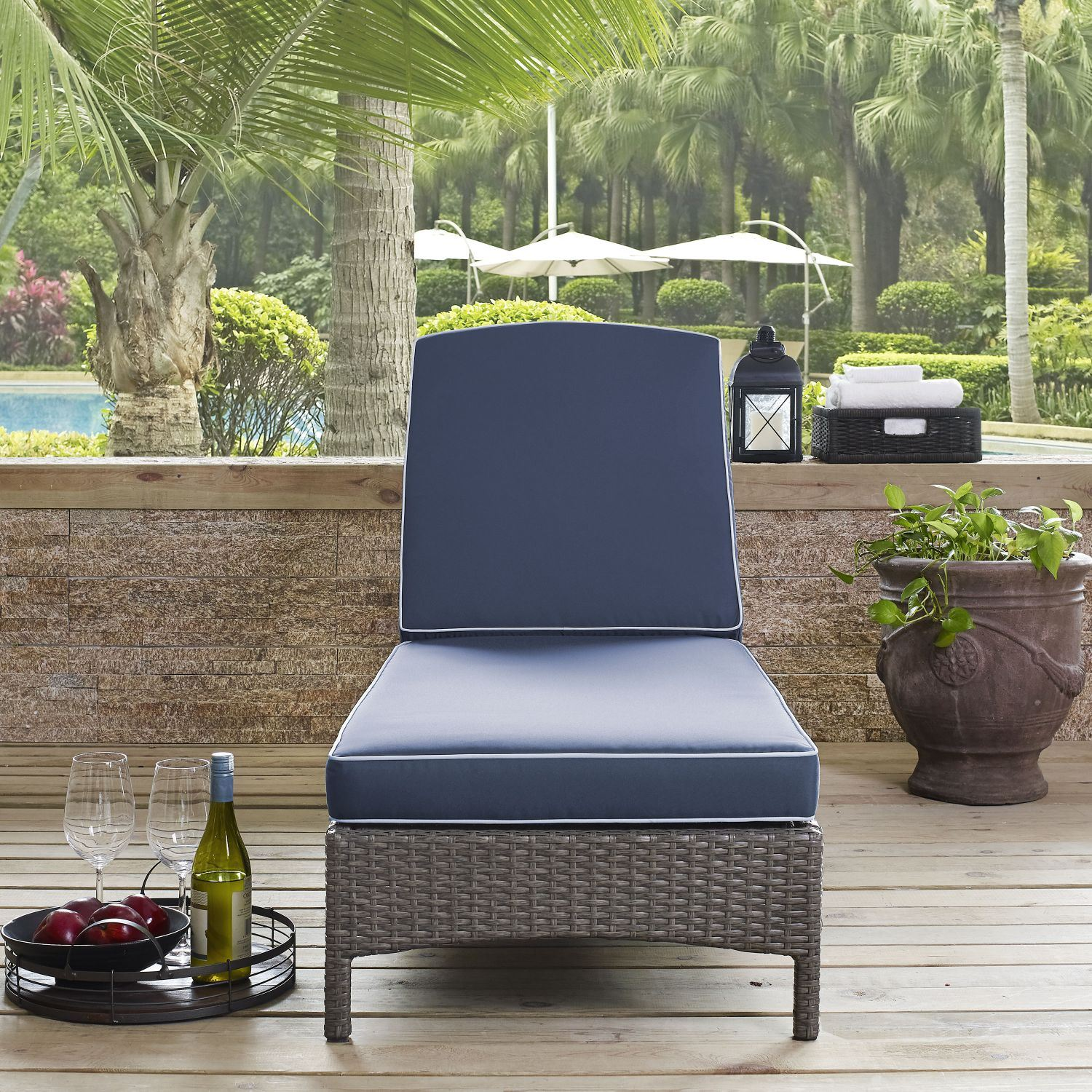 Picture of PALM HARBOR OUTDOOR WICKER CHAISE LOUNGE*D