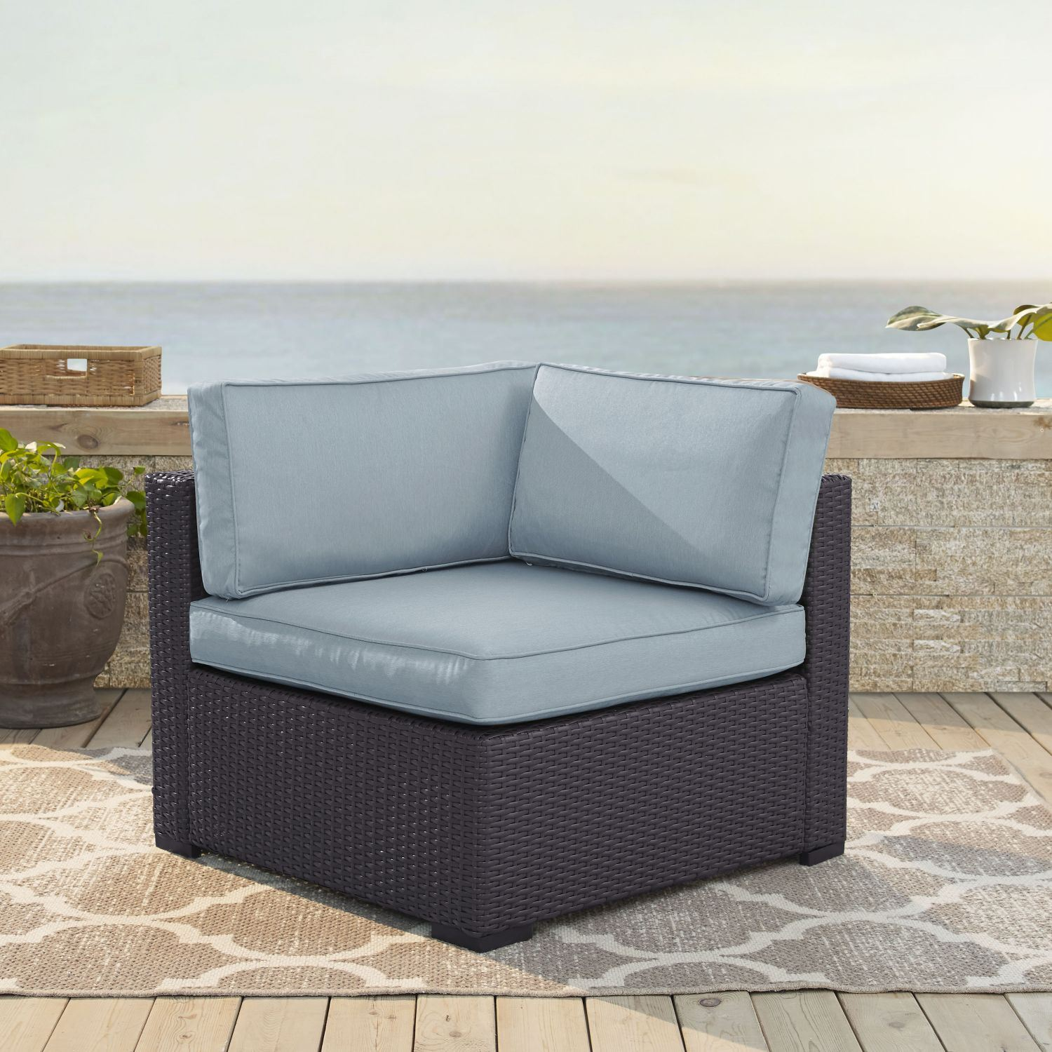 Picture of BISCAYNE CORNER CHAIR W/BLUE CUSHIONS