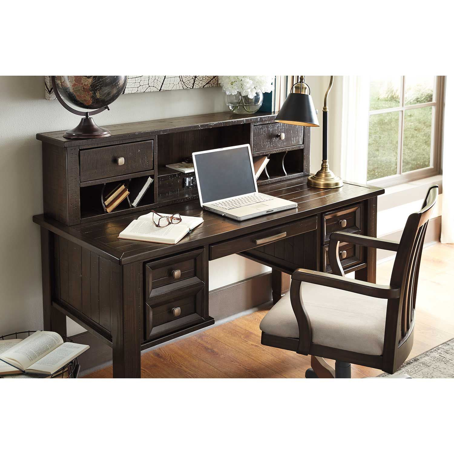 Picture of Townser Swivel Desk Chair
