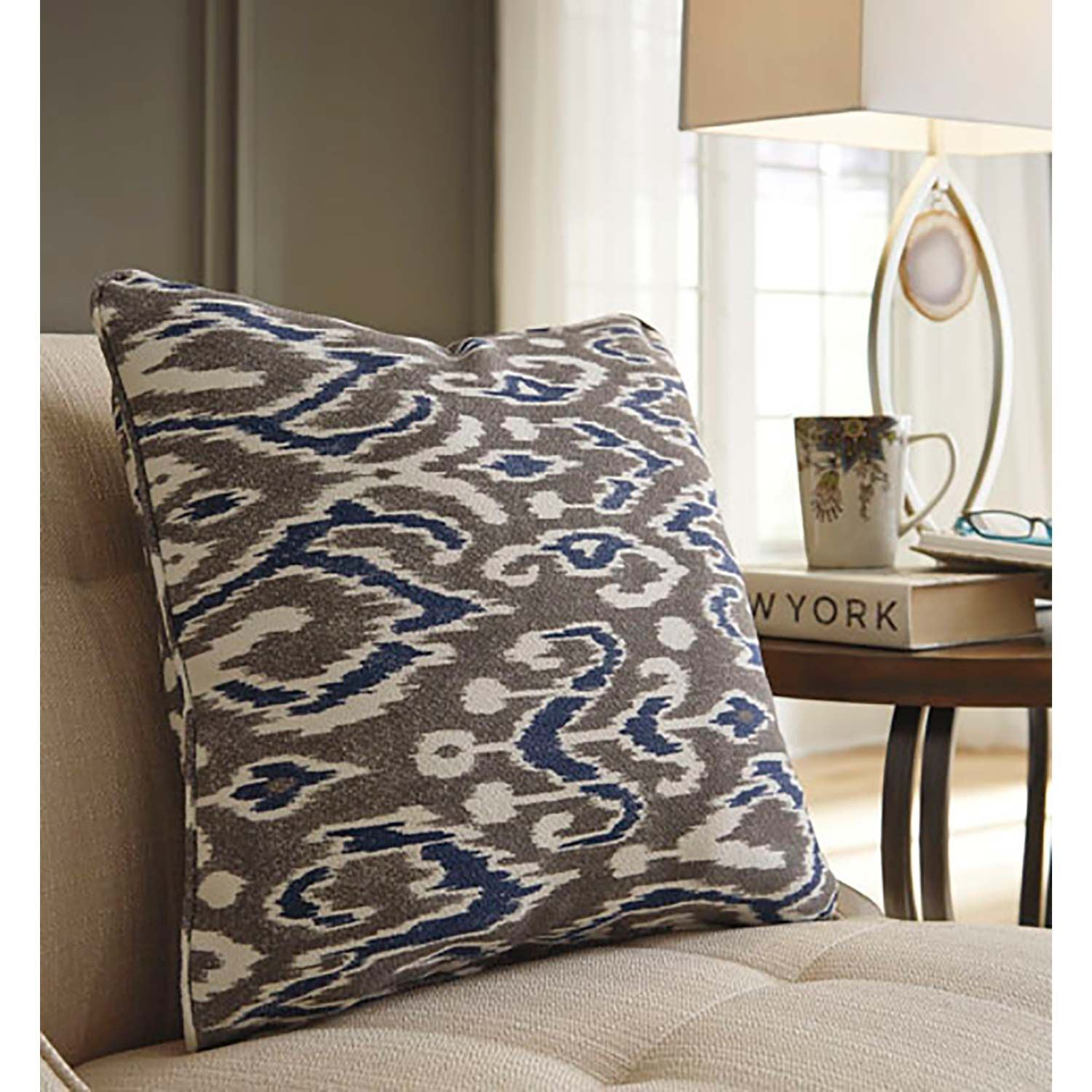 Picture of KENLEY Decorative Pillow *D