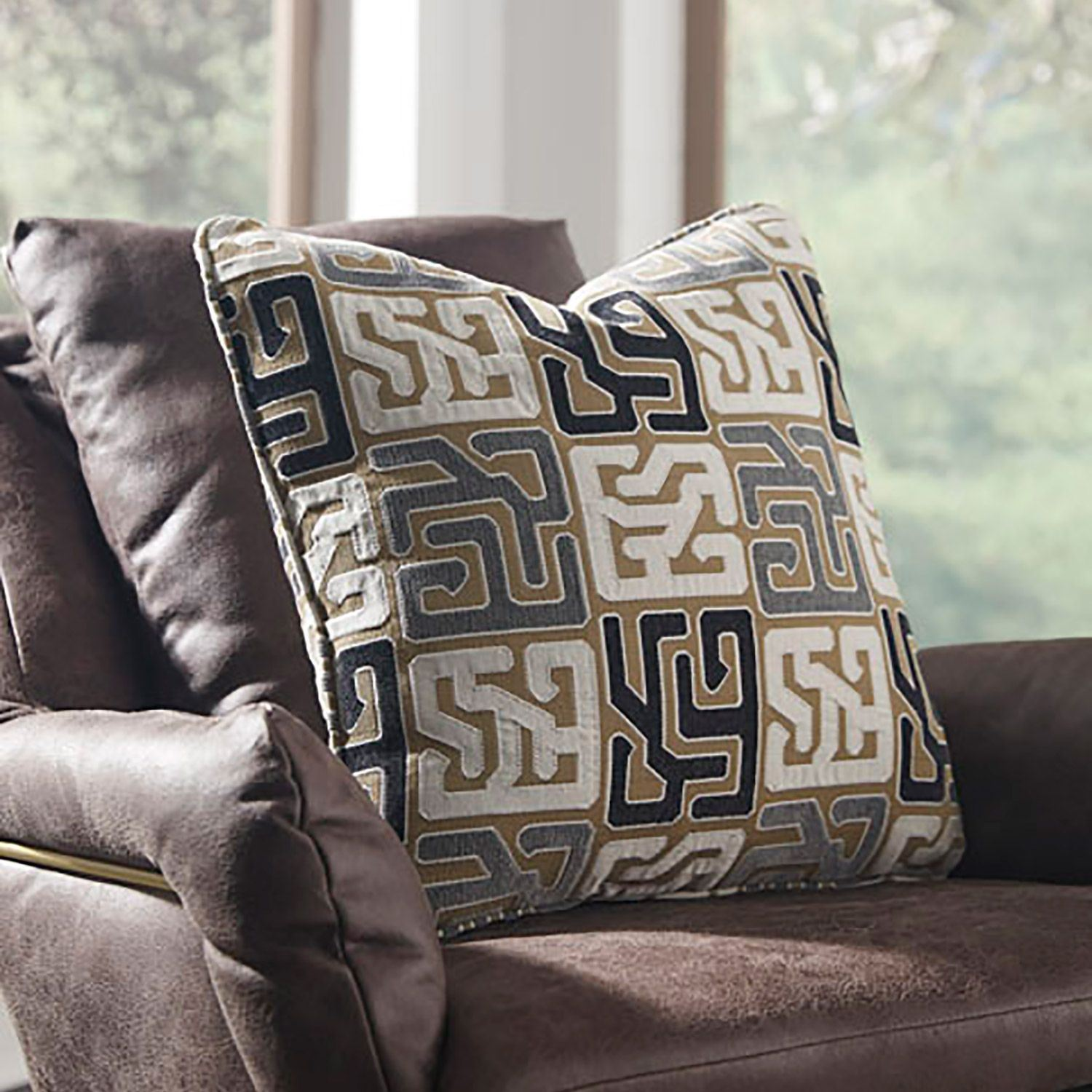 Picture of TILLAMMOK Decorative Pillow *D