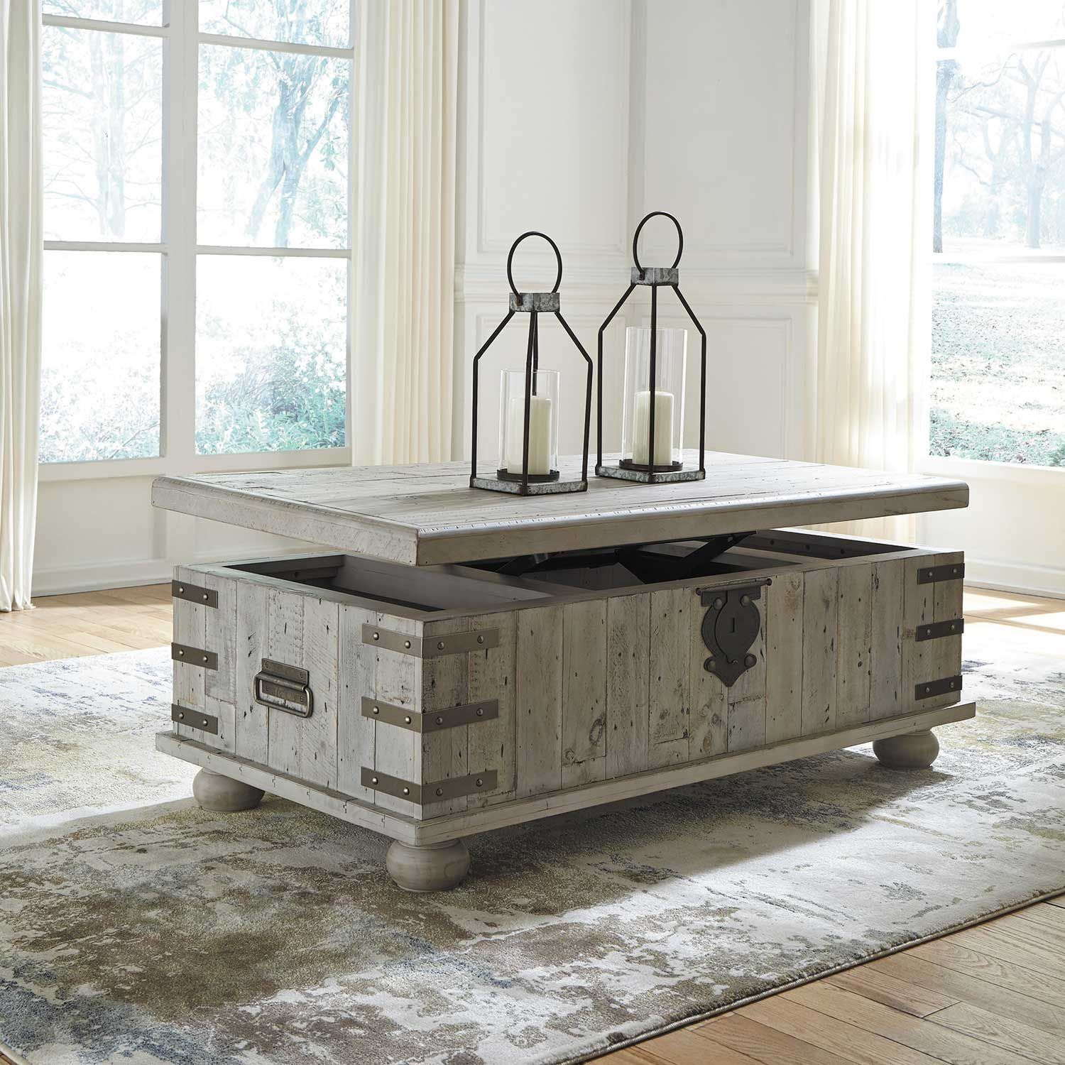 Picture of Carynhurst Lift Top Cocktail Table