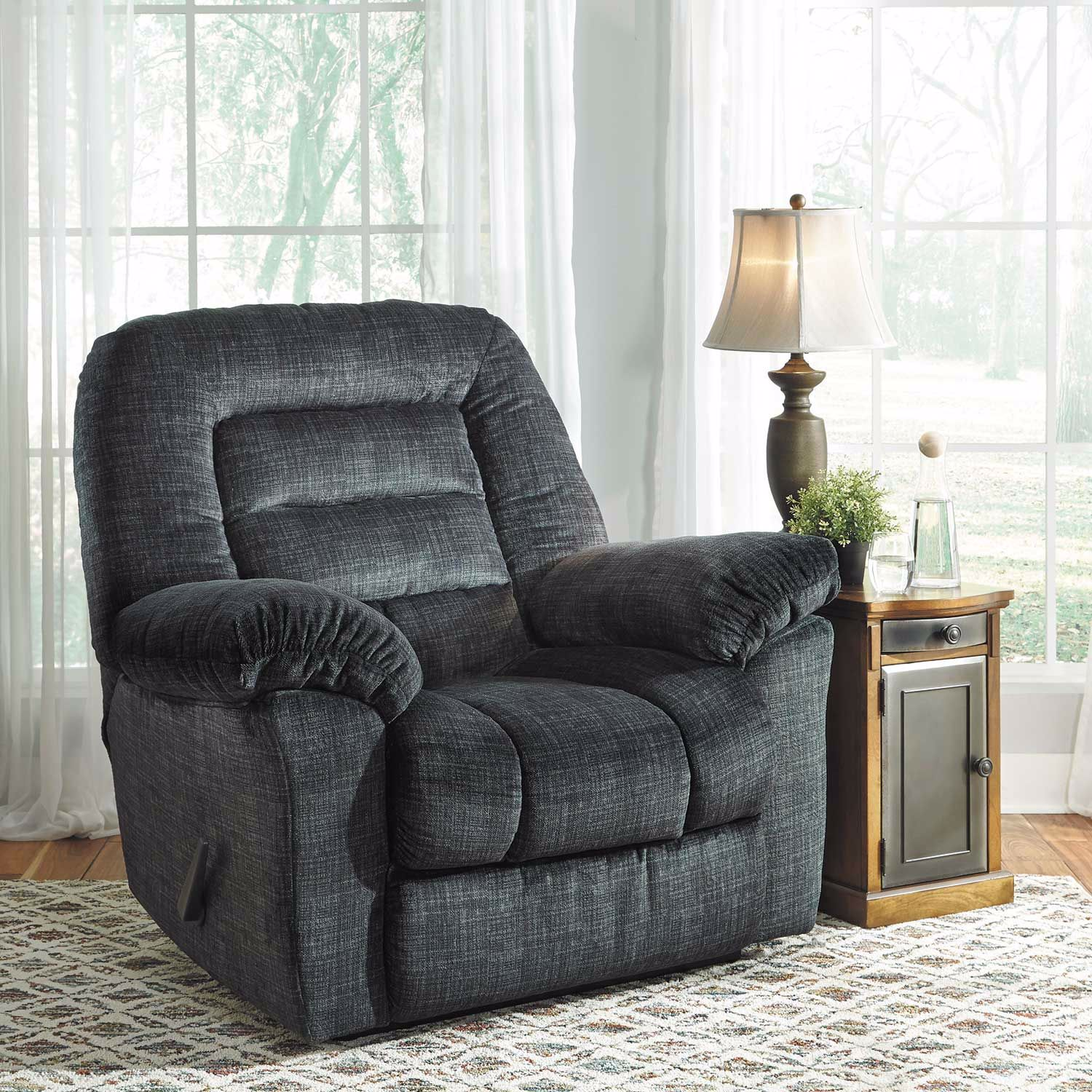 Picture of Hengen Thunder Wall Saver Recliner