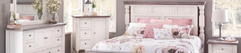 Creating a Cozy Vintage Bedroom