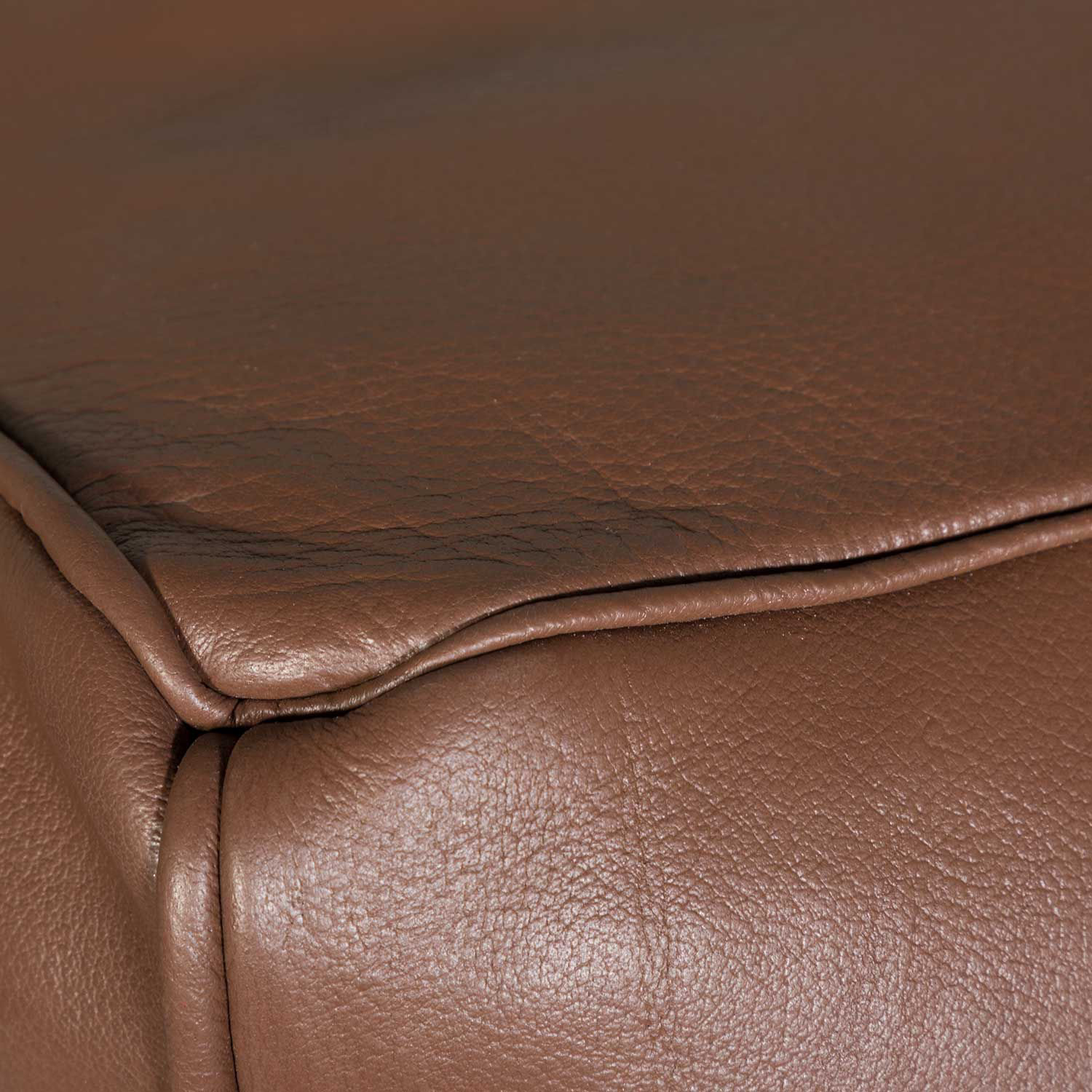 Picture of Bennet Leather Pouf *P\
