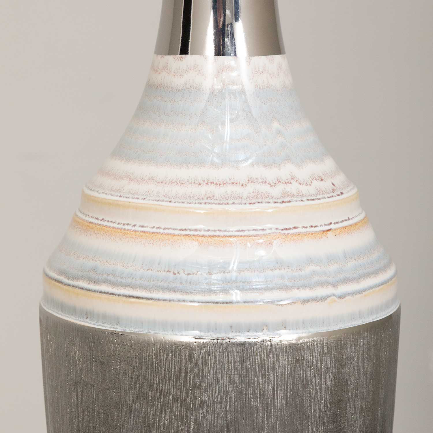 Picture of Grey With Turned Color Vase